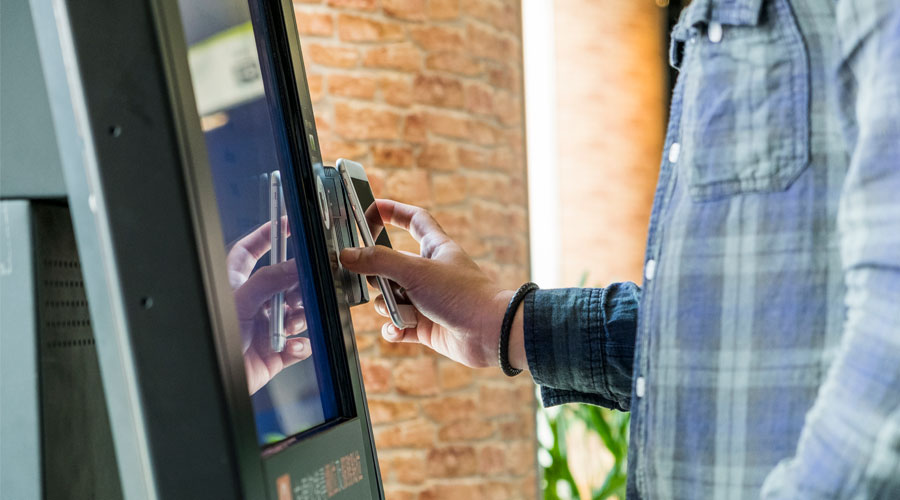 paying with smartphone nfc