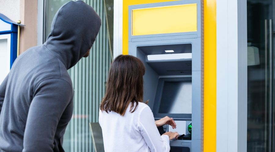 Espionaje en el banco